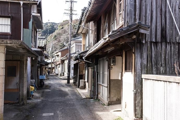 津和地は昭和の雰囲気が残る島です