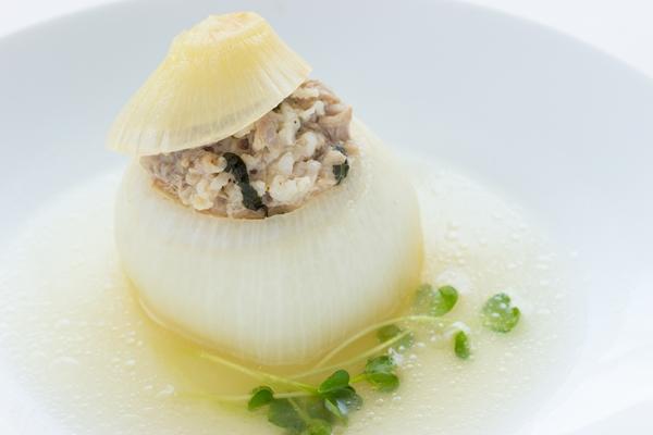 津和地の新玉ねぎは料理の主役になります